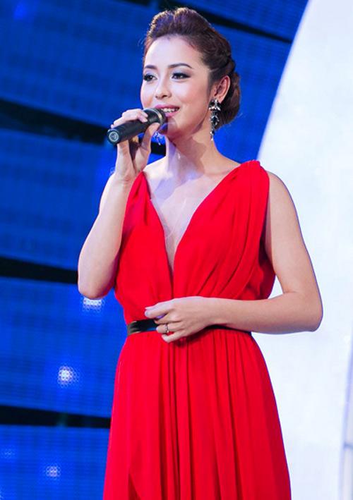 Những bộ váy ngắm mãi không chán của Jennifer Phạm - 5
