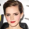 """Thời trang - Emma Watson - """"phù thủy"""" đeo khuyên tai"""