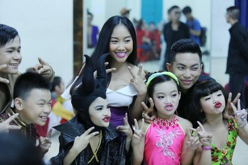 Ốc Thanh Vân thừa nhận đang mang thai con thứ 3-8