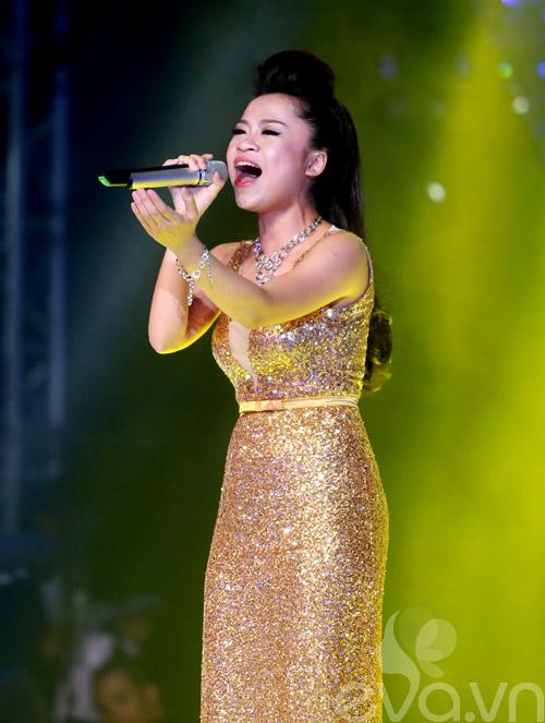 Bị loại khỏi X-Factor, Minh Tiến đăng quang SMĐH-7