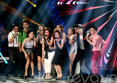 Bị loại khỏi X-Factor, Minh Tiến đăng quang SMĐH-8
