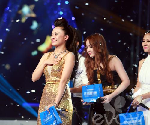 Bị loại khỏi X-Factor, Minh Tiến đăng quang SMĐH-10