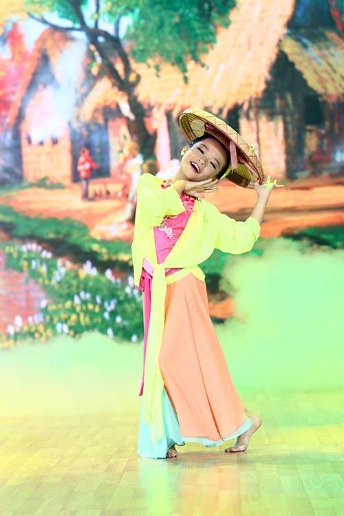 Liveshow 1: Bước nhảy hoàn vũ nhí rực rỡ màu cổ tích-6