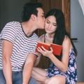 Làng sao - Hương Giang Idol được bạn diễn hôn lãng mạn