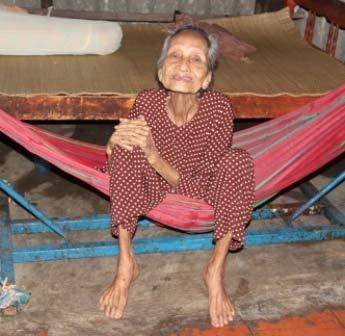Đôi vợ chồng cao tuổi nhất châu Á là người Việt Nam-2