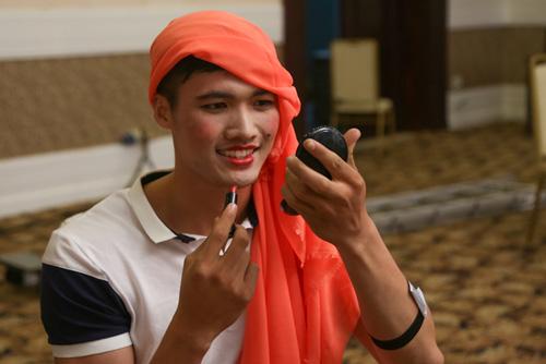 VNTM 2014: Vòng phỏng vấn thí sinh lộ nhiều tài lẻ-1