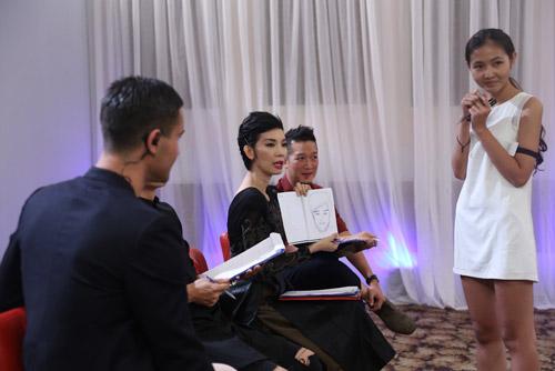 VNTM 2014: Vòng phỏng vấn thí sinh lộ nhiều tài lẻ-4
