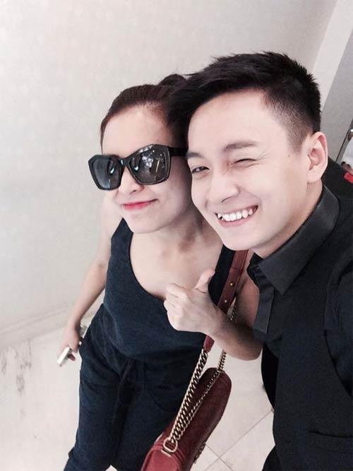 Hồ Quỳnh Hương âu yếm chú rùa cưng - 11