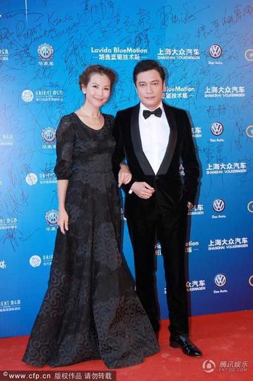"""Đồng Lệ Á """"thắng đậm"""" tại Lễ trao giải Hoa Đỉnh - 12"""