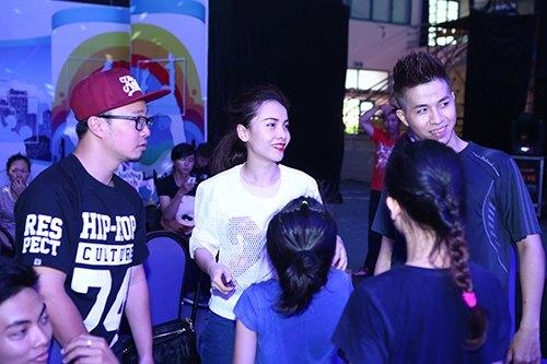 Đoan Trang, Khánh Thi lộ mặt mộc không son phấn-10