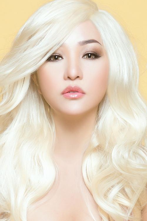 """Thúy Nga hóa """"búp bê Barbie"""" tóc bạch kim-1"""