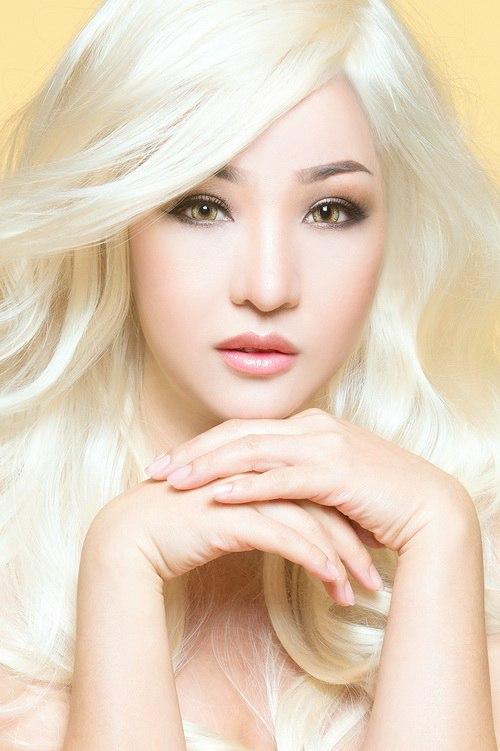 """Thúy Nga hóa """"búp bê Barbie"""" tóc bạch kim-3"""