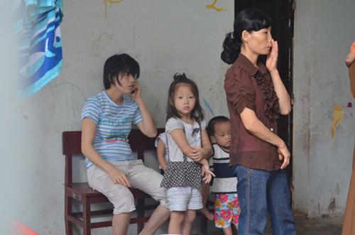 Tiếp tục đưa 12 trẻ, người già chùa Bồ Đề về nơi ở mới-2