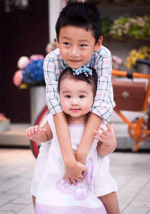 Ngắm vẻ đẹp 2 thiên thần nhỏ của Jennifer Phạm-1