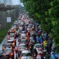 Tin tức - Hà Nội: Mưa lớn, nhiều tuyến đường ùn tắc cục bộ