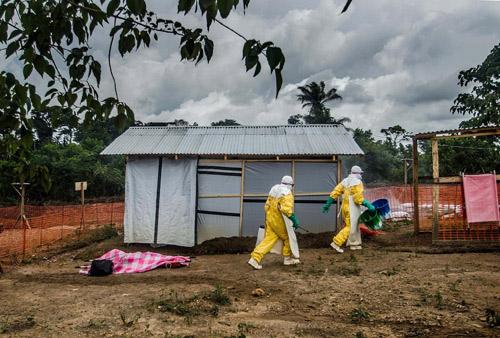lai them mot quoc gia co nguoi nhiem ebola - 1