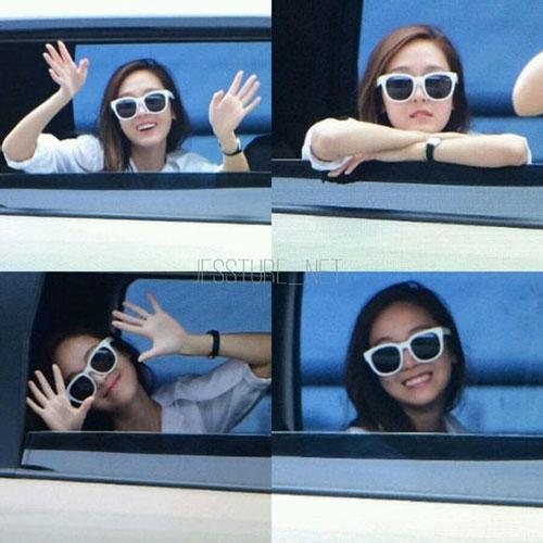 fan cuong snsd xep hang dai o san bay cho than tuong - 1