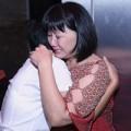 Làng sao - Cẩm Vân khóc nức nở trên vai Phương Thanh