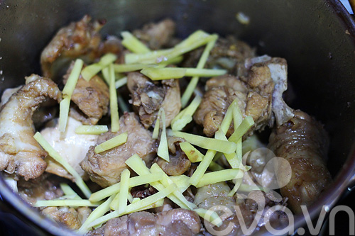 Cách nấu gà kho gừng thơm ngon ngày mưa bão - 5