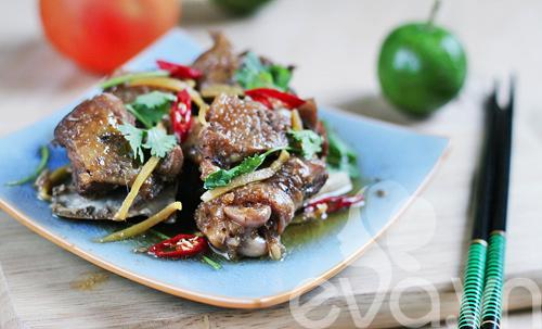 Cách nấu gà kho gừng thơm ngon ngày mưa bão - 8
