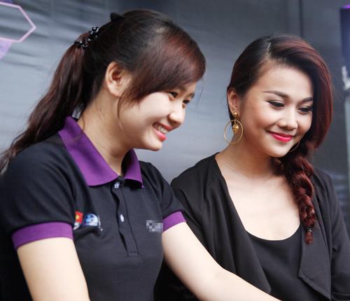 "thanh hang dien do cuc ""chat"" di su kien - 7"