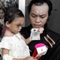 Bé 4 tuổi bị hành hung: Cha ruột bé Ngân xuất hiện