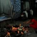 Tin tức - Xót lòng những phụ nữ sống trong xóm ổ chuột