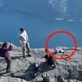 Làm mẹ - Cặp đôi bị lên án vì đặt con sát vách núi chụp ảnh