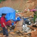 Tin tức - Đã có 11 người chết sau bão số 3