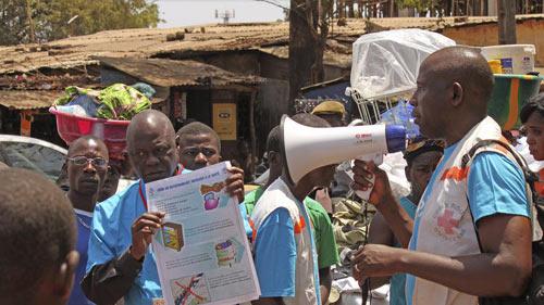 guinea: so ebola, dan noi day danh chet 8 quan chuc - 1