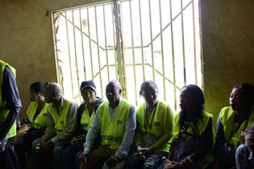 sierra leone gioi nghiem 72 gio vi ebola - 2