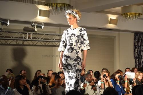 "thoi trang viet toa sang tren san ""london fashion week"" - 2"