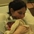 Bà bầu - Cảm phục nghị lực giữ con của mẹ bị vỡ ối 16 tuần