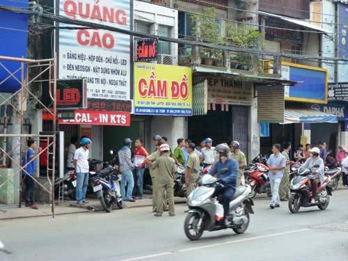 dam chet ong chu vi 500.000 dong - 1