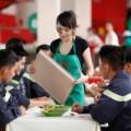 Bếp Eva - MasterChef: Phục vụ bữa ăn cho chiến sĩ Phòng cháy chữa cháy