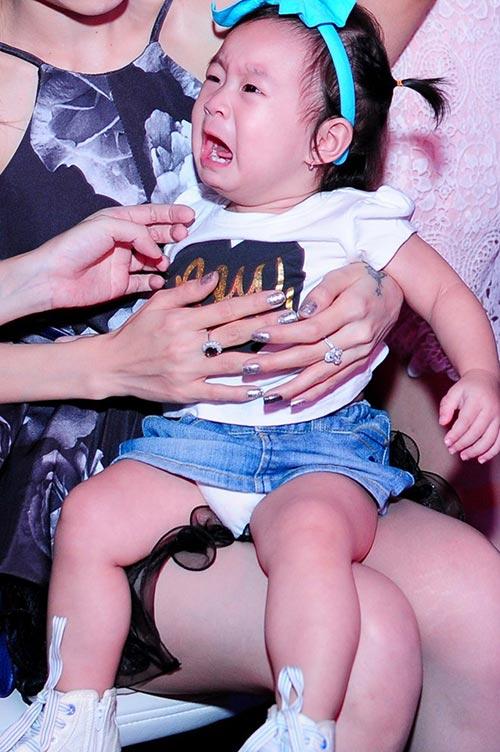 minh ha bau 7 thang sanh dieu di ung ho chong - 11