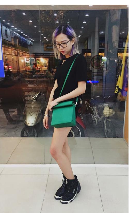 """Hot girl Việt """"tranh nhau"""" xài một chiếc túi - 6"""