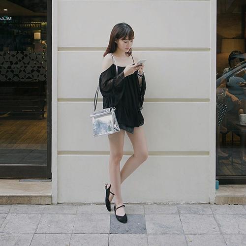 """Hot girl Việt """"tranh nhau"""" xài một chiếc túi - 7"""
