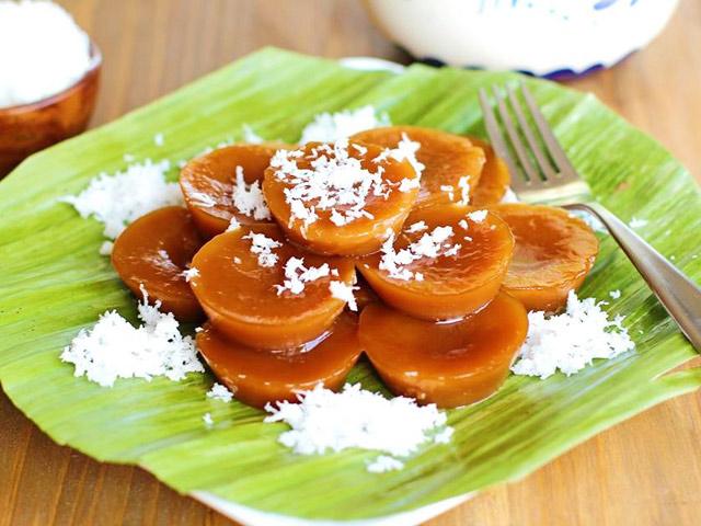 Nếm bánh gạo Kutsinta ngọt ngào của người Philippines - 6