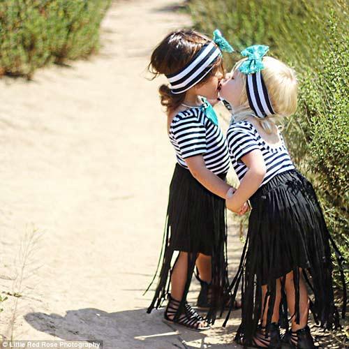 Gặp đôi bạn nhí 2 tuổi đang 'gây bão mạng' vì style cực chất-12