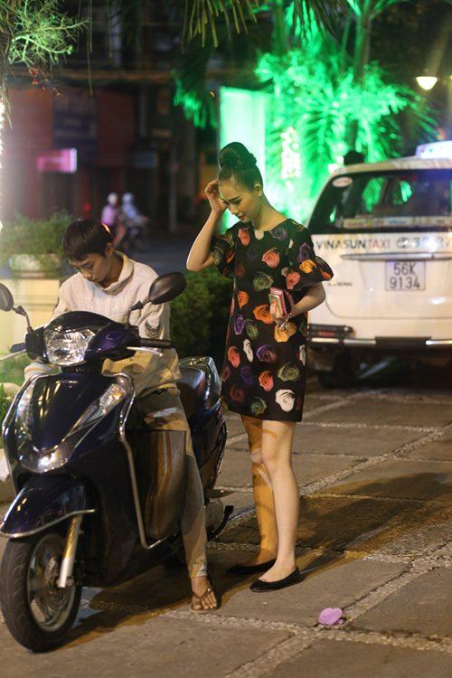 Nữ hoàng Trang sức Thanh Trúc đi xe ôm về sau sự kiện-8