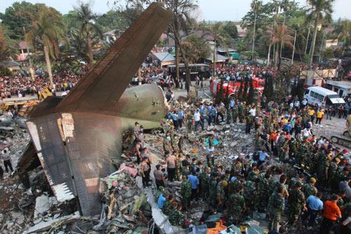 Máy bay Indonesia rơi: Một bên cánh quạt trục trặc trước đó-1