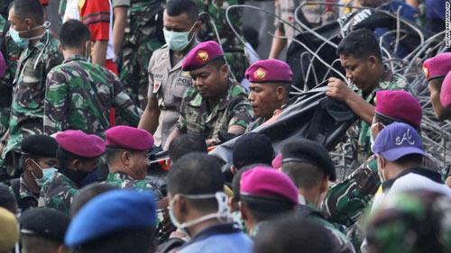 Máy bay Indonesia rơi: Một bên cánh quạt trục trặc trước đó-2