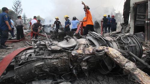 Máy bay Indonesia rơi: Một bên cánh quạt trục trặc trước đó-3