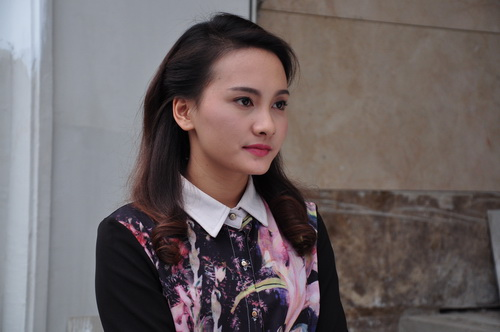 "lo dien ""ban sao"" kim hien - lan phuong - 3"