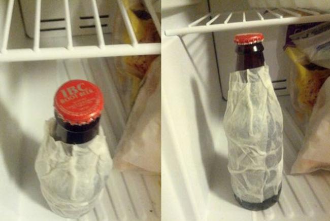 Bạn muốncóbia lạnh chỉ trong vòng2 phút? Tất cả những gì bạn cần bọcmột chiếckhăn giấy ướt, quanh chai vàđặtvào trong ngăn đá khoảng 2 phút.