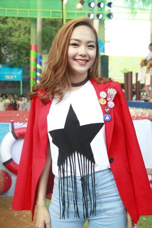 """minh hang an mac sanh dieu nhung van de """"lot ao"""" - 2"""