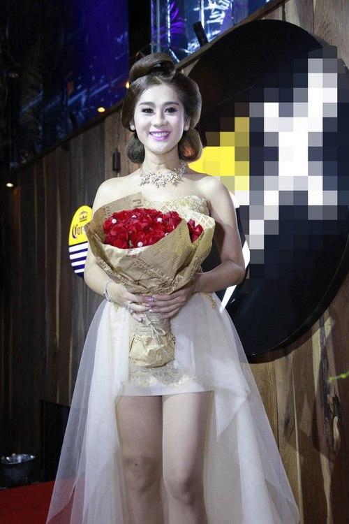 "lam chi khanh mong gap duoc ""hoang tu"" de cuoi - 4"