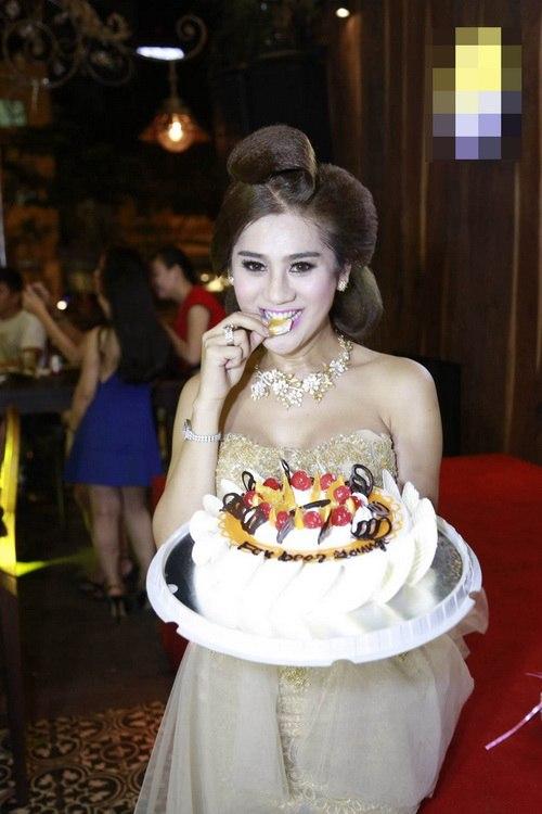 "lam chi khanh mong gap duoc ""hoang tu"" de cuoi - 7"