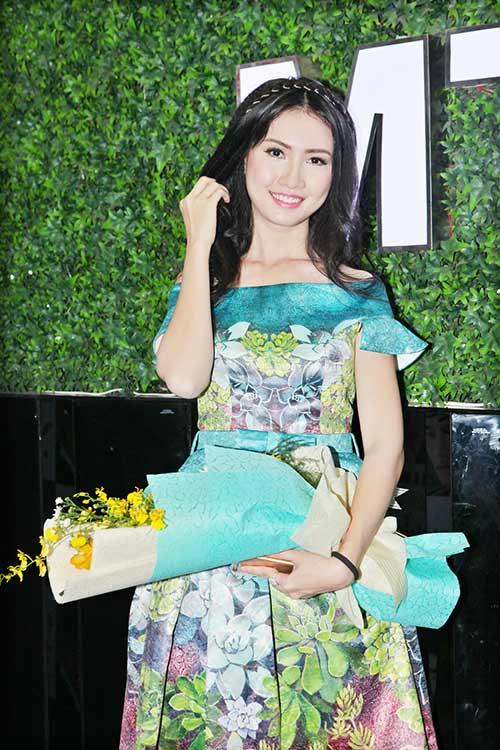 le thi phuong do ruc den chuc mung nguyen lam - 10